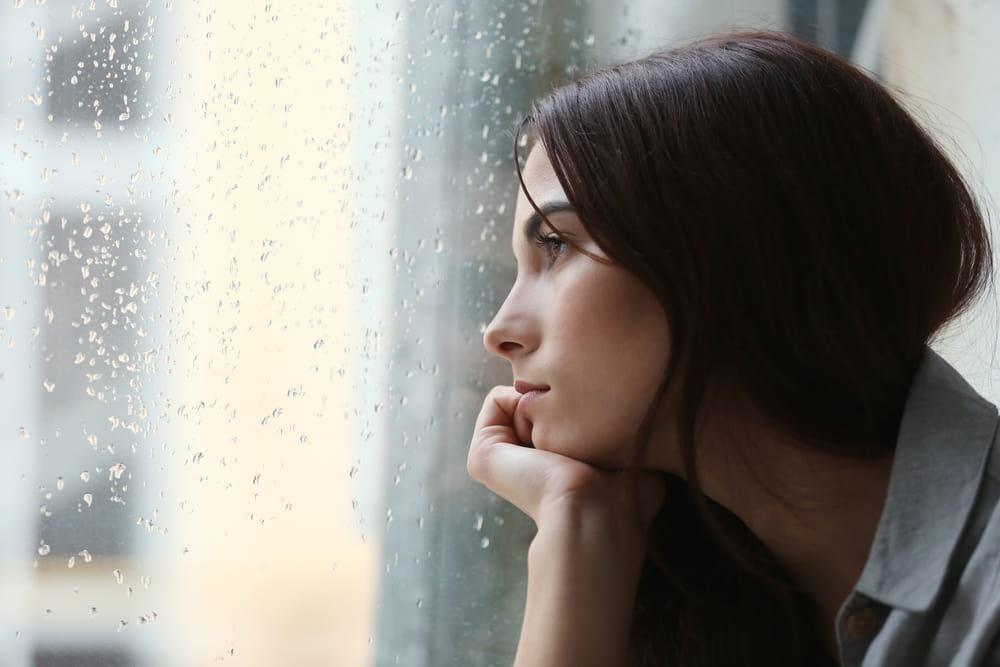 מה ההבדל בין דיכאון חולף לדיכאון כרוני